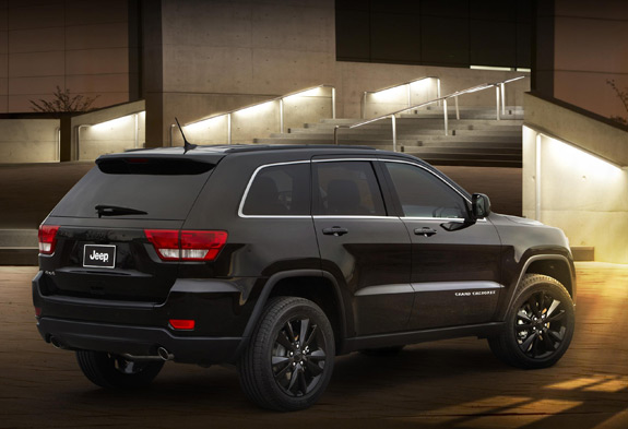 Sick Jeep Grand Cherokee >> Jeep's Blacked-Out Grand Cherokee Is Pretty Sick!