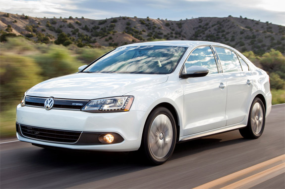 2013 Volkswagen Jetta Hybrid – A first look at VW's step away from Diesel