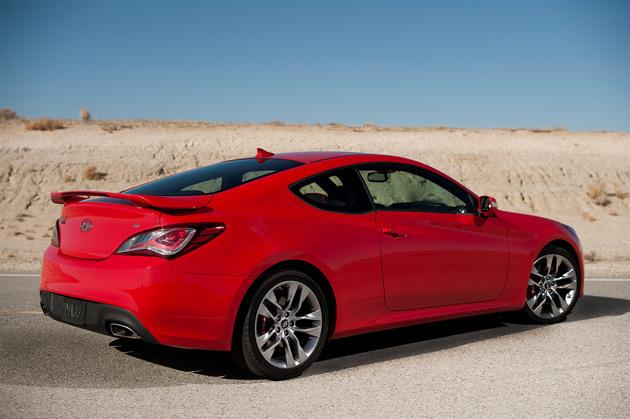 2013-Hyundai-Genesis-Sport-Coupe-3.8-Track-6