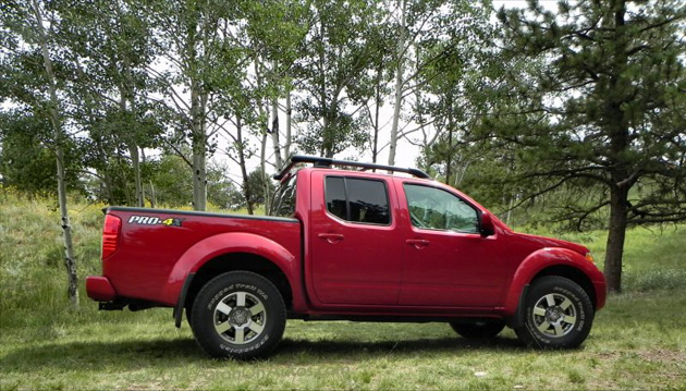 the 2013 nissan frontier pro4x is a party on four wheels. Black Bedroom Furniture Sets. Home Design Ideas