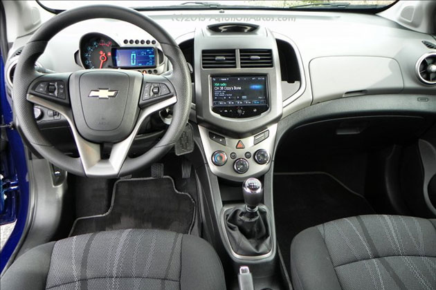 2014-Chevrolet-Sonic-5