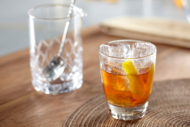 Crown-Royal-Maple-Old-Fashioned