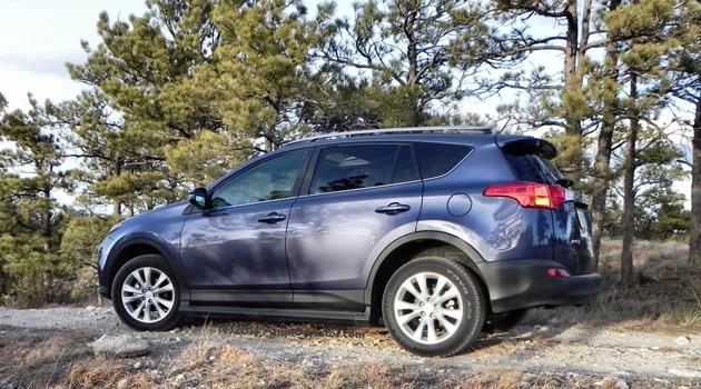 2013-Toyota-RAV4-2