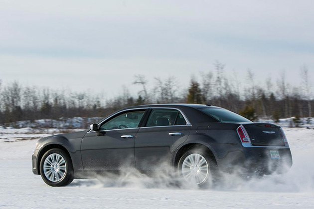 2014 chrysler 300c awd provides style crossover like capability and comfort. Black Bedroom Furniture Sets. Home Design Ideas