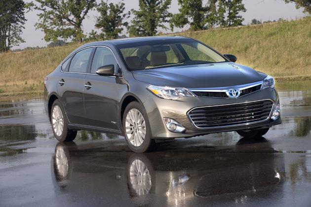 2014-Toyota-Avalon-Hybrid-2