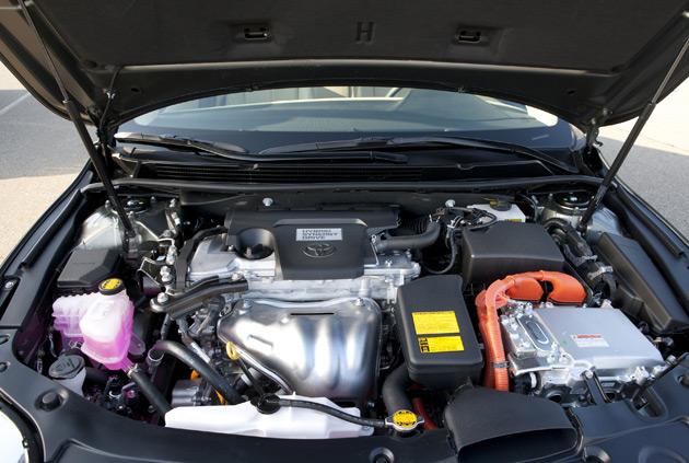 2014-Toyota-Avalon-Hybrid-3