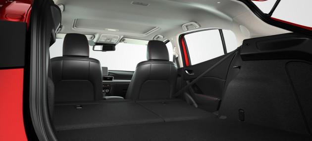 2014-Mazda3-Hatch-6