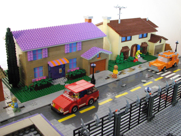TheSimpsons-LEGO-3