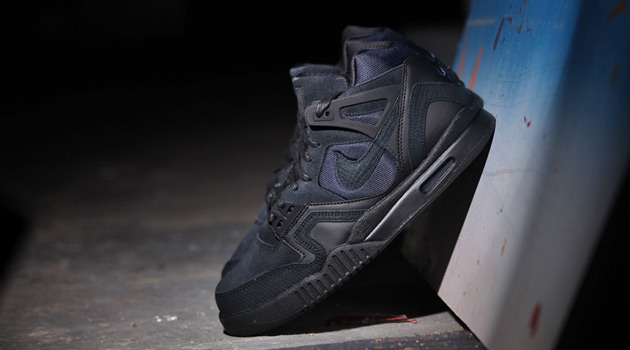 Nike-Air-Tech-Challenge-II-Black-Obsidian-1